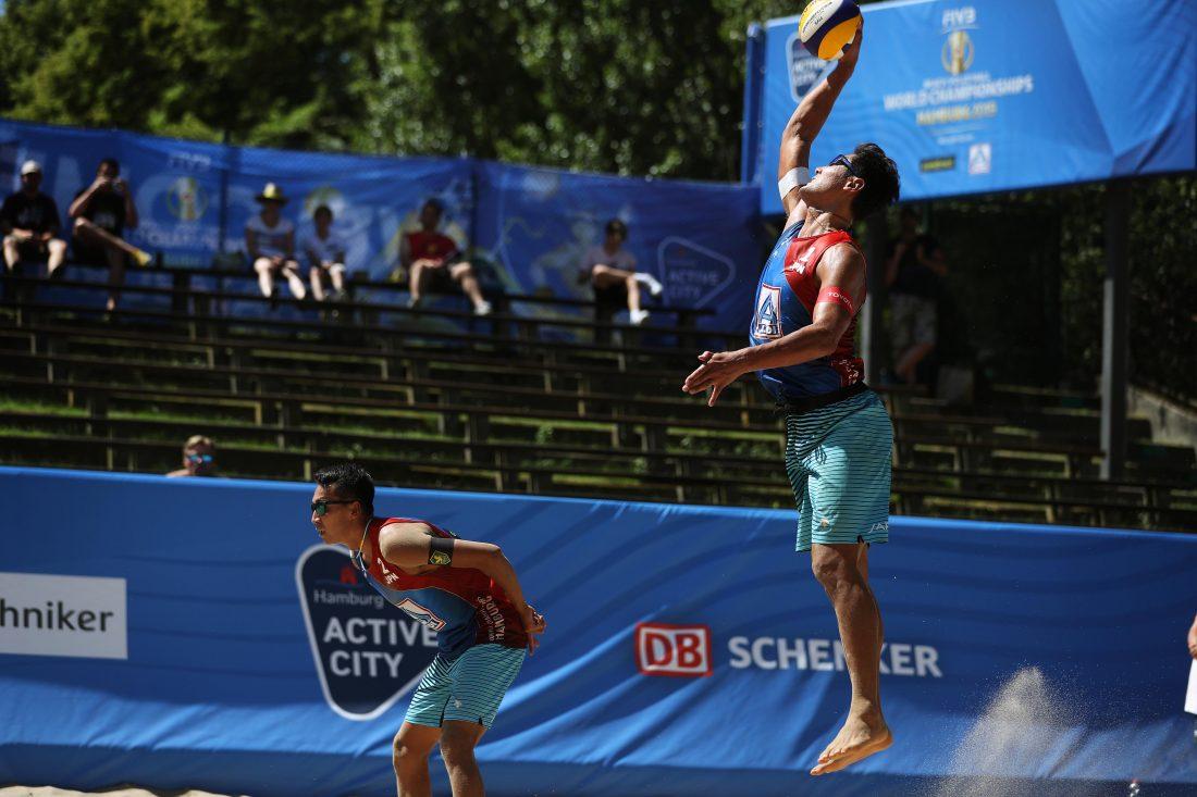 石島/上場組、プール戦2敗目。「FIVB世界選手権」第2日目。