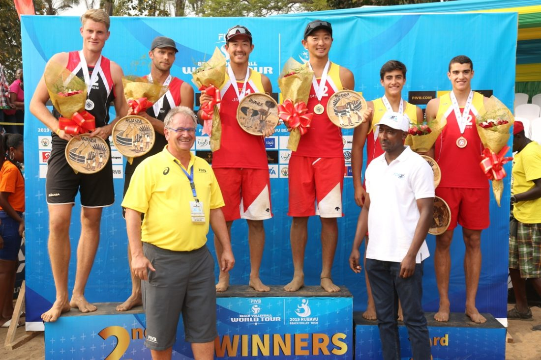庄司/倉坂組、日本チームとして初の金メダルを獲得。「FIVBワールドツアー 1-starルバビュ大会」。