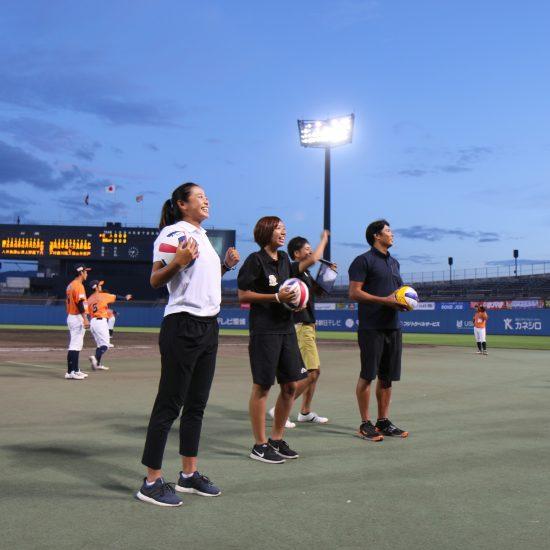 坊ちゃんスタジアム・四国アイランドリーグplus公式戦でジャパンツアー出場選手が大会PR。