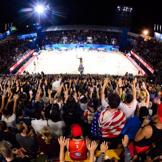 国際大会初のナイターゲーム開催。<br>「FIVBワールドツアー2018 東京大会」<br>特設サイト、オープン。